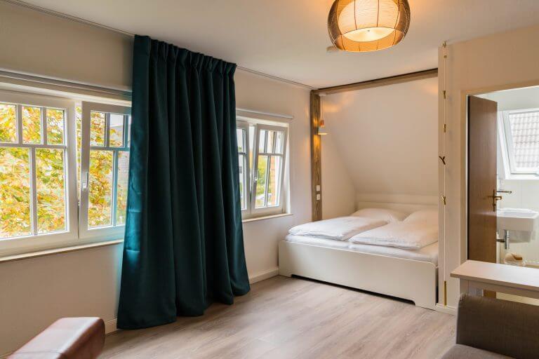 Zimmer No. 2-35