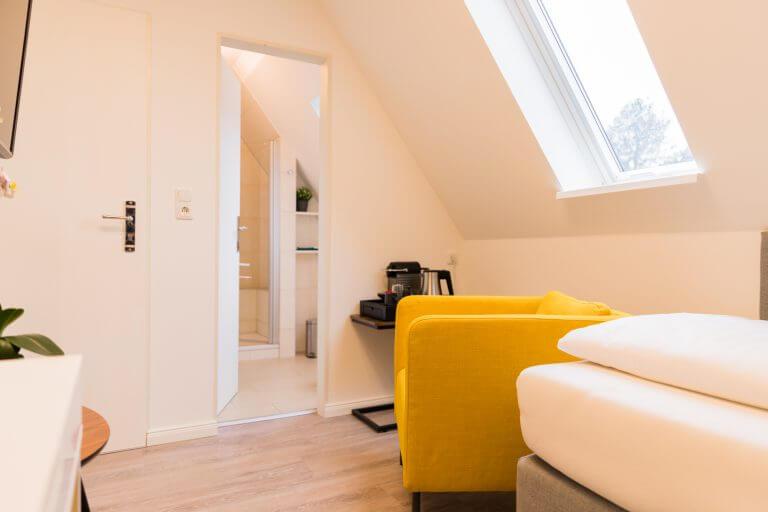 Ansicht mit Blick auf das Badezimmer in Ihrem Einzelzimmer in Sankt Peter Ording